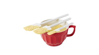 A 24cm icing-blade spatula designed for unheated applications of spreading of cake icing.