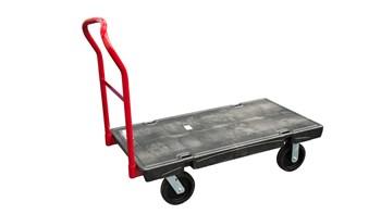 Le chariot plate-forme haute résistance Rubbermaid est fait d'un matériau composite (métal et résine) obtenu selon le procédé Duramold pour en assurer la solidité sur le long terme. Sa capacité de charge est de 900kg.