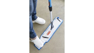 The Rubbermaid Commercial HYGEN™ Wet Pads with Scrubber are constructed of premium split nylon/polyester blend Microfibre with an attached scrubber that provides optimal wet mopping performance.