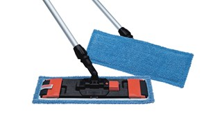 CLEANING/DISINFECTING MOP WITH FLAPS AND POCKETS