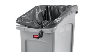 Les collecteurs encastrables Rubbermaid Slim Jim® offrent une solution spécialement conçue pour éliminer efficacement les déchets dans un espace réduit.