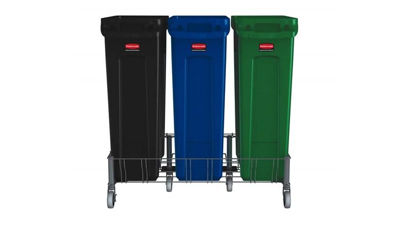 Le socle triple en acier inoxydable Rubbermaid Slim Jim® est conçu pour assurer le soutien et le transport en douceur et efficace des collecteurs Slim Jim® avec conduits d'aération dans tous les établissements commerciaux.
