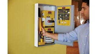 Ce kit est une solution pratique qui comprend tout le nécessaire pour éliminer rapidement des liquides divers.