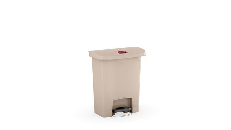 Le collecteur à pédale Rubbermaid Slim Jim® se distingue par sa forme élancée et son faible encombrement, ce qui permet de l'utiliser dans les espaces les plus exigus. Les collecteurs à pédale Slim Jim® sont conçus dans des matériaux de qualité supérieure et répondent aux exigences d'efficacité, de sécurité et de résistance de tous les environnements.
