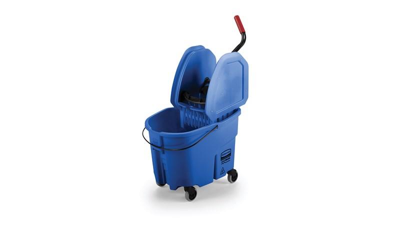Avec des caractéristiques qui surpassent les seaux à frange traditionnels, la nouvelle génération de systèmes de nettoyage WaveBrake® permet de nettoyer les sols plus facilement et en toute sécurité, sans sacrifier la qualité et la résistance du produit.