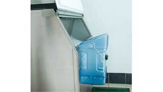 The Rubbermaid Commercial Ice Bucket Tote with Bin Hook Adapter provides sanitary, safe transport for ice.